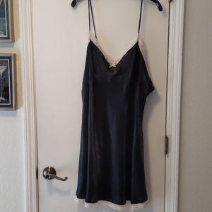 Black satin chemise - XXL